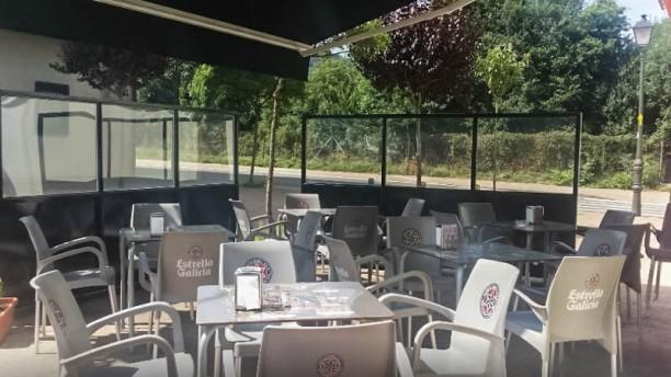 Bar Hiru Ostatua Visa terraza