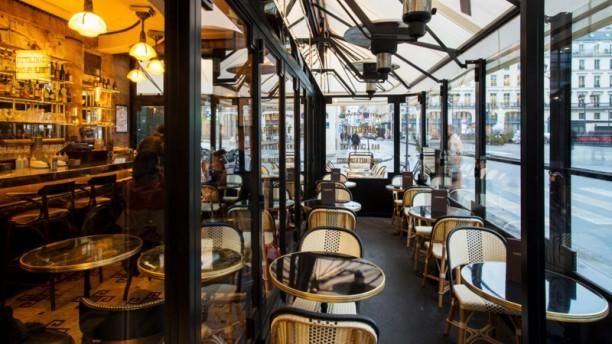 restaurant vaudeville paris 75002 op ra grands. Black Bedroom Furniture Sets. Home Design Ideas