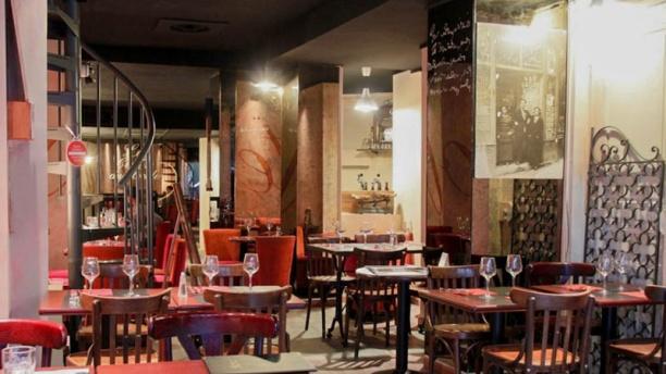 le centre du monde in paris restaurant reviews menu and prices thefork. Black Bedroom Furniture Sets. Home Design Ideas