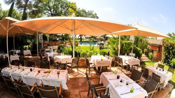 Hotel spa restaurant cantemerle h tel 258 chemin - La table du comtat seguret 84 ...