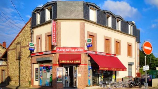 Café de la Gare Façade