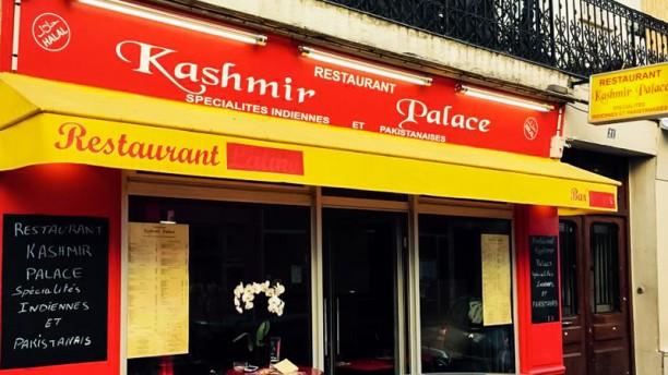 Kashmir Palace Devanture