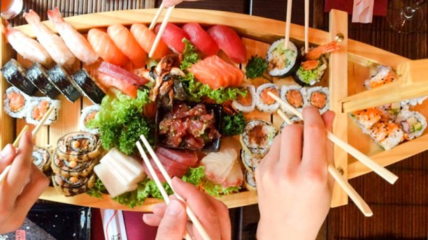 Uzume Sushi Bar Sushi