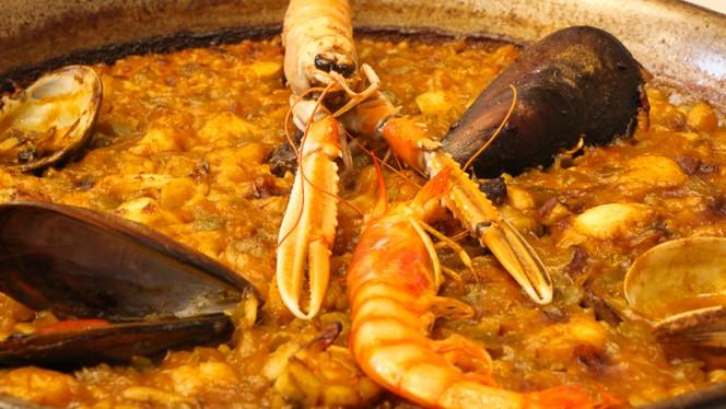 Paella de pescado y marisco - Amaya, Barcelona