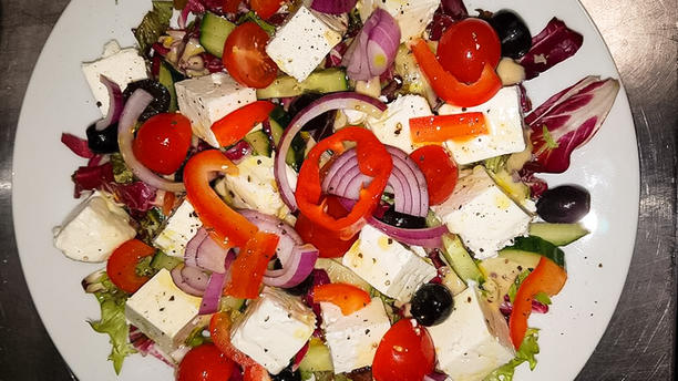 Maxima Mix Grill Greek Salad