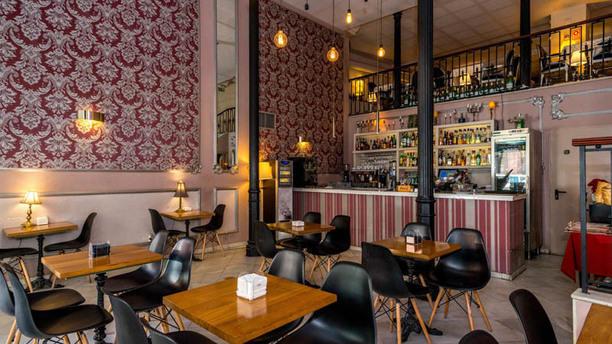Los Mercaderes Restaurante Tapas Vista de la sala