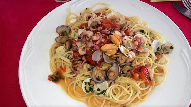 Casa Rossa Vesuvio Spaghetti ai frutti di mare