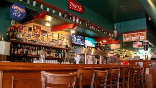 Burgers & Bar bar