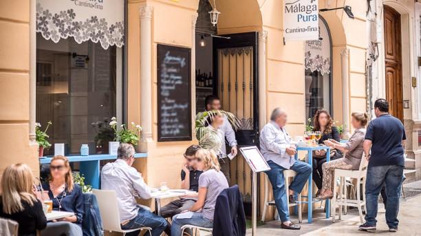 Málaga Pura Terraza y entrada