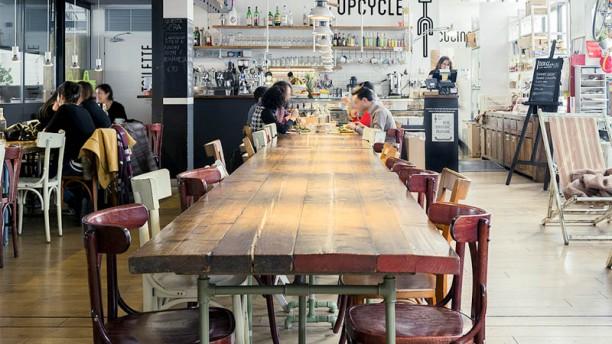 Upcycle Milano Bike Café Il tavolone
