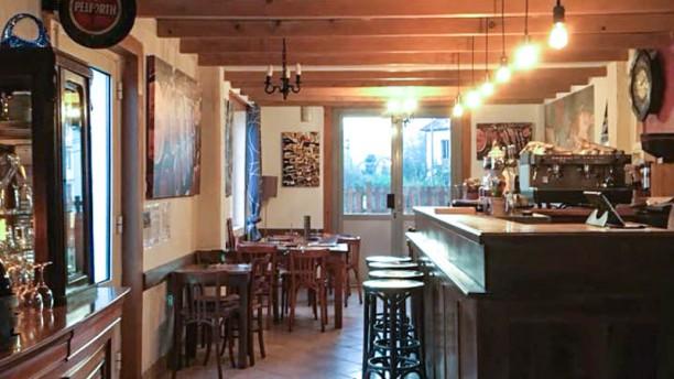Le Café de la Gare Vue de la salle