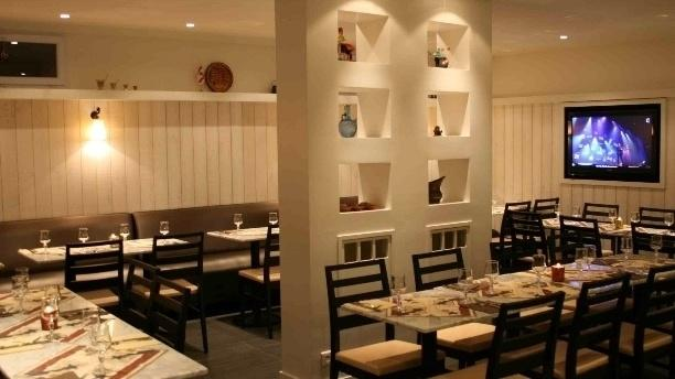 Restaurant h tel restaurant maison blanche rungis 94150 for Ascenseur interieur maison prix
