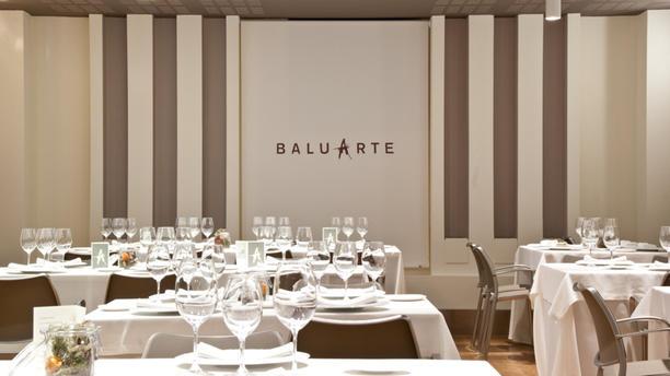 Baluarte by Óscar García Sala del restaurante