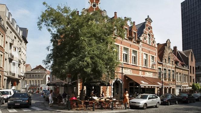 Façade - Grimbergen Café, Brussels