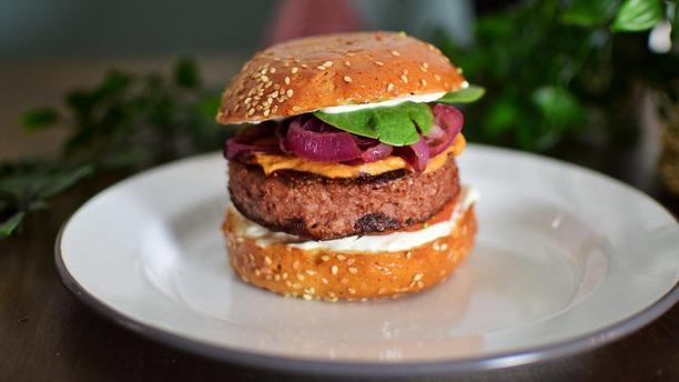 Yem'a Paris Beyond Meat Burger