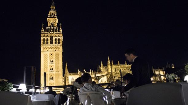 La Terraza Eme Catedral Hotel In Sevilla Restaurant