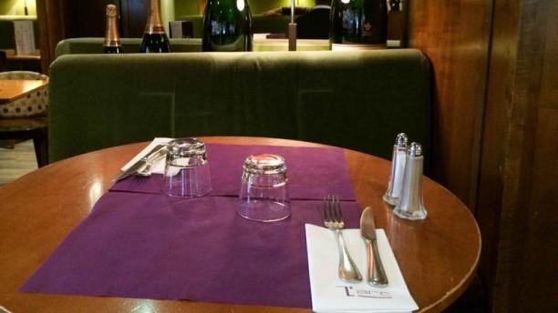 Restaurant l 39 arc caf paris 75017 arc de triomphe for Table 99 restaurant