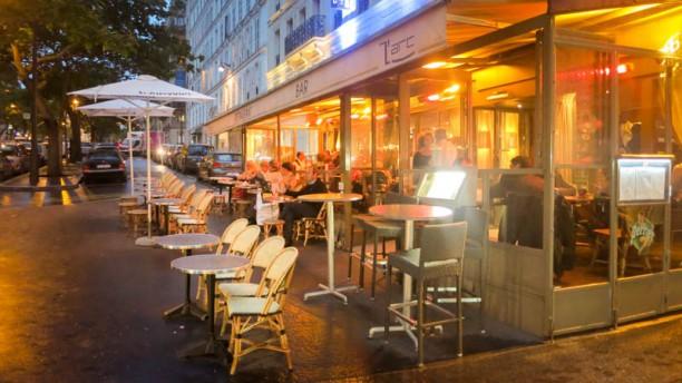 L'Arc café Vue de L'Exterieur