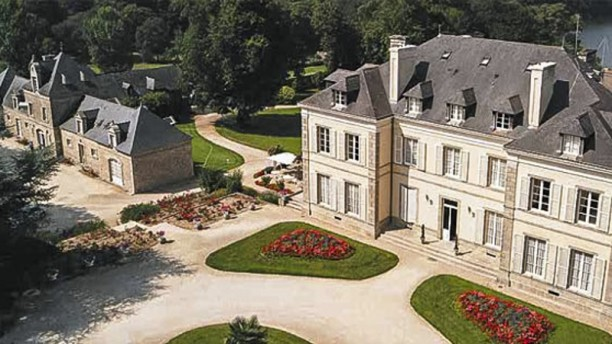 Château de Locguénolé Vue du château