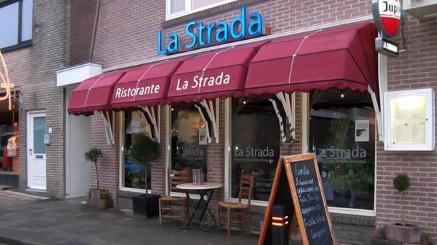 Restaurant La Strada Ingang
