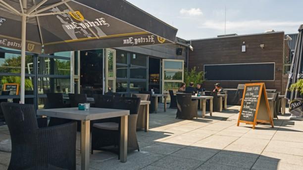 Joseph Sports Bar and Kitchen Terras