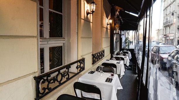 Cinecitta restaurant 89 rue truffaut 75017 paris for Horaire truffaut villeparisis