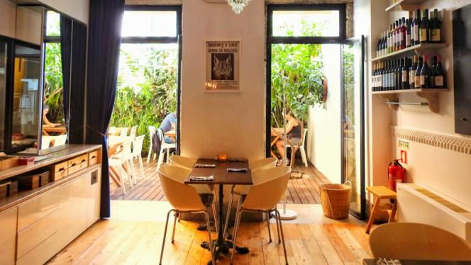 Royale Café ristorante contemporaneo a Lisbona in Portogallo