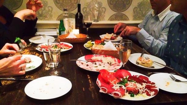 Restaurant Amici Detail van de tafel