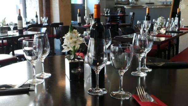 Les Trois Marmites Vue de la salle de restaurant préservée du bar