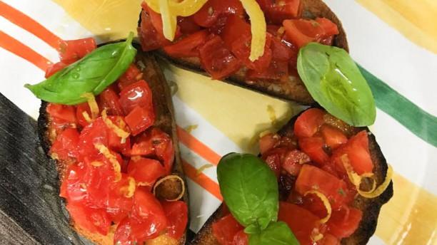 Il Buon Boccone Bruschetta con pomodorini freschi