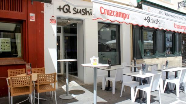 +Q Sushi fachada