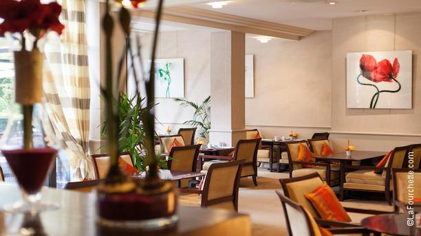 Restaurant Le Lounge - Warwick Reine Astrid à Lyon (69006), Tête d ...