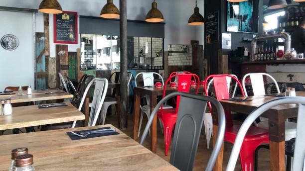 O11ze Levallois Salle du restaurant