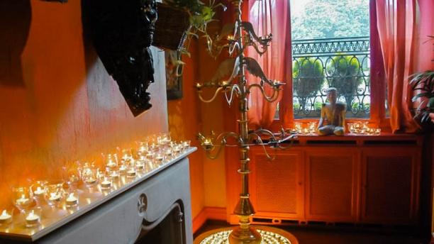 La porte des indes in brussels restaurant reviews menu for Porte menu exterieur pour restaurant