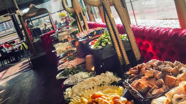 Sultan Lounge Ontbijtbuffet onbeperkt za/zo