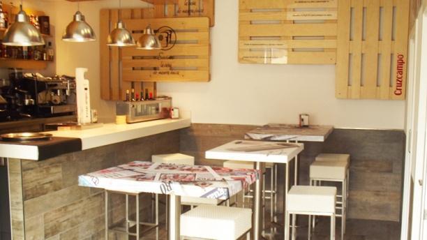 News Café mesas