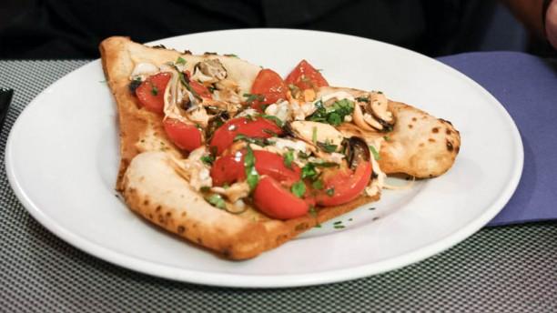 Bufala Grill pizza