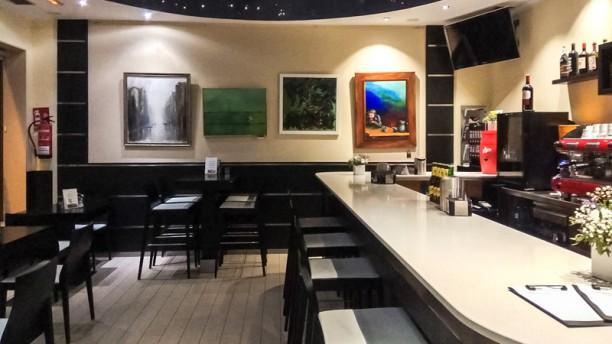 Kratos Sala del restaurante