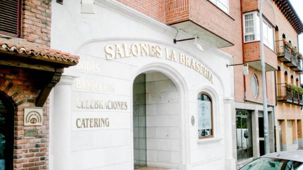 La Braseria de San Rafael entrada salones