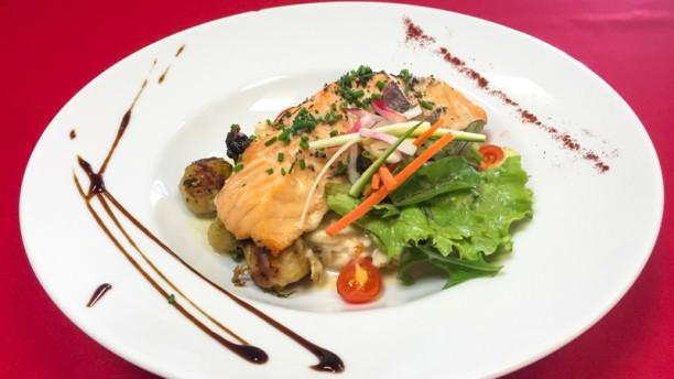 Déjeunez sous l'Arbre Exemple de plat du jour : le pavé de saumon