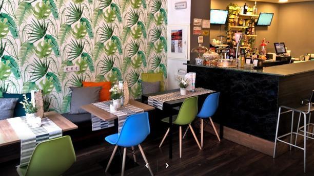 Que Chevere Restaurant Interior