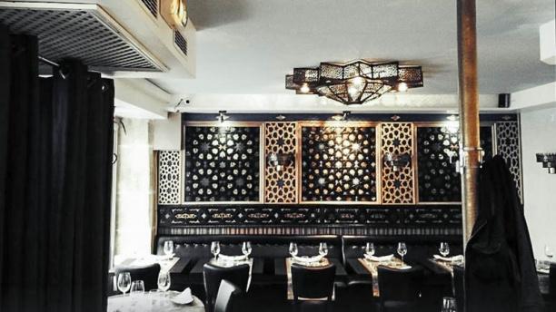 Restaurant Rue De Tocqueville Paris