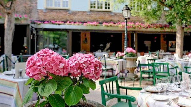 Hôtel Restaurant Cazaudehore terrasse