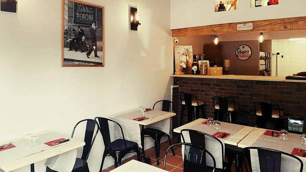 Pizzeria Mattarello Vue de la salle