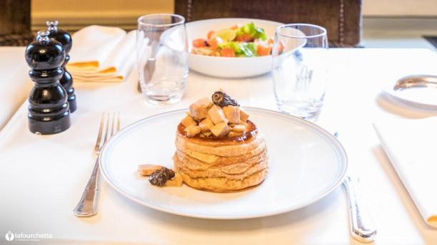 Restaurant Ladurée Paris Champs-Elysées à Paris (75008), Champs-Elysées - Menu, avis, prix et ...