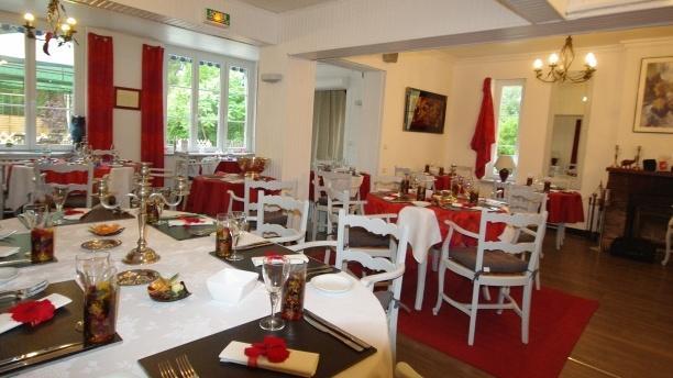 Auberge du Buissonnet Salle du restaurant