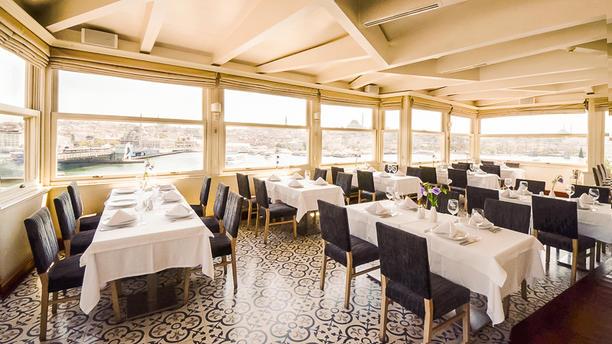Tarihi Karaköy Balıkçısı Grifin Dining room
