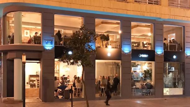 Restaurante bench en valencia ciutat vella val ncia for Decoradores e interioristas en valencia