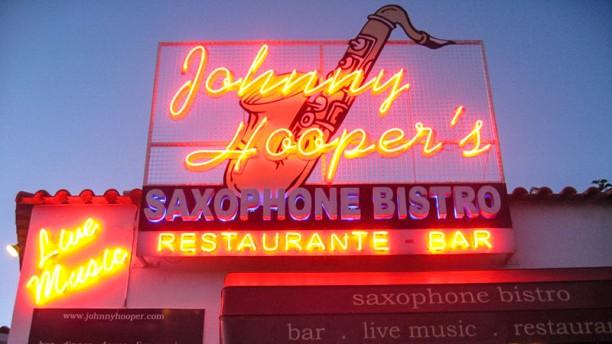 Johnny Hoopers Saxophone Bistro Entrada