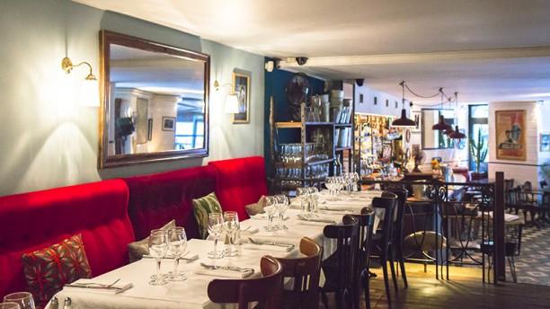 H tel du nord in paris restaurant reviews menu and for Decor hotel du nord